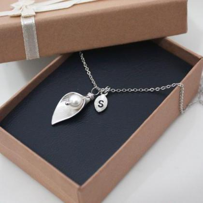 Calla lily flower necklace, wedding..