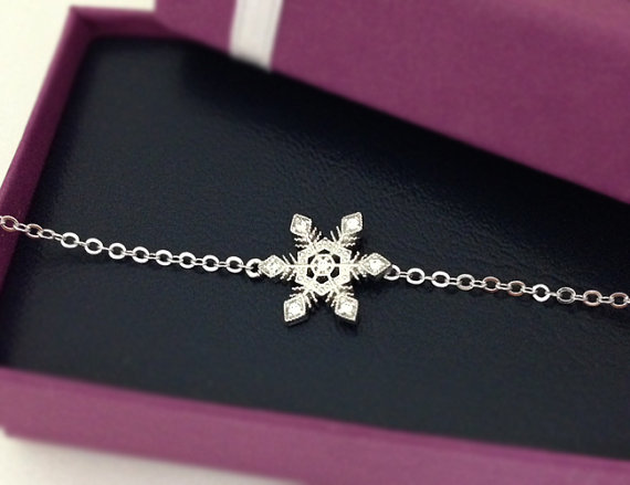 White Crystal Snowflake Bracelet in Silver, Holiday Gift, Christmas Gift